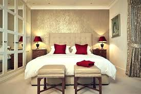 Gold Wall Paint Bedroom In Spanish Wordreference