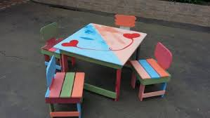 Pallet Chairs And Table For Kids