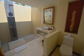 offenes badezimmer bild qunci villas hotel lombok