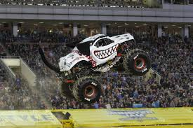 100 Monster Truck Pictures Meet The Two Women Driving The Big Trucks At Jam In Tampa