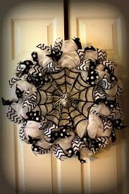 Scary Halloween Door Decorating Contest Ideas by Best 25 Halloween Wreaths Ideas On Pinterest Halloween Door