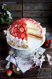 erdbeer kuppeltorte mit erdbeeren zungenzirkus