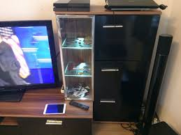 wohnzimmer tv led glas schrank