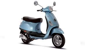 Vespa LX Replaced The Glorious ET More Than 460000 Units Sold Since 1996 And Is Available In Four Modern Ecological Engine Sizes 50cc Two