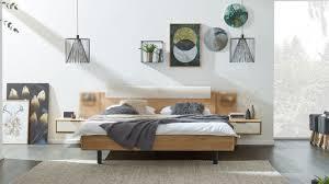 interliving schlafzimmer serie 1015 bettgestell 1181 mit nachtkonsolen