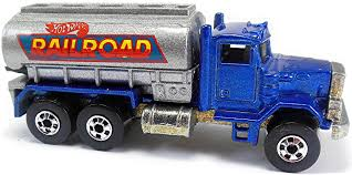 Peterbilt Tank Truck – 87mm – 1981 / 1994 | Hot Wheels Newsletter