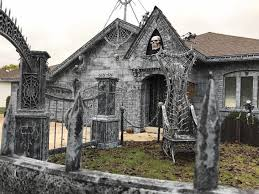 Naperville Halloween House A Youtube by Patch U0027s 2017 Guide To The Southland U0027s Best Halloween Haunts