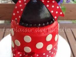 gâteau d anniversaire minnie mouse par le plaisir des papilles