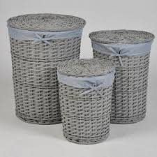 panier à linge rond en bois et osier gris mat pm fr