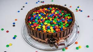 cake süßigkeiten kuchen z b mit kitkat und m m s