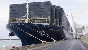 hollande inaugure le bougainville plus gros porte conteneurs