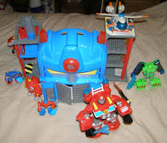 Transformers Optimus Prime Rescue Bots Fire Station + Robots
