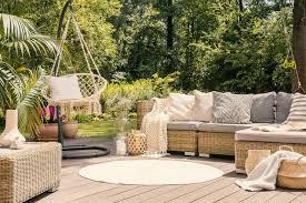 outdoor wohnzimmer einrichten so wird der garten zur