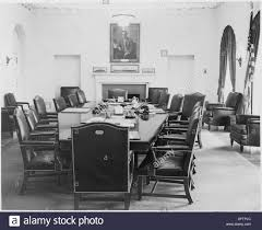 woodrow wilson cabinet members photograph of the cabinet room of the white house with a portrait