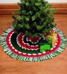 Easy Crocheted Tree Skirt