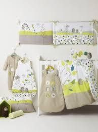 chambre vert baudet giboteuse bébé brodée thème pic nic chambre bébé huuhdiin