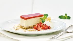 haferflocken quark kuchen mit erdbeer gelee