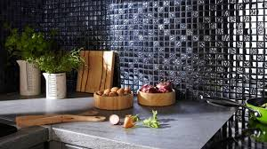 crédence en stratifié pour cuisine crédence inox verre déco quel matériau choisir côté maison