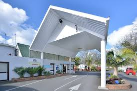 100 Northcote Pool Auckland North Shore Motels Holiday Park