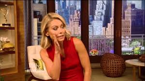 Kelly Ripa And Michael Strahan Halloween 2015 by Kelly Ripa Return To Live I Got My Apology And Some Respect Youtube