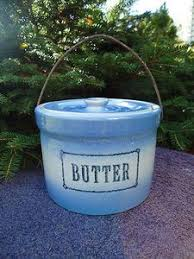 Blue and White Stoneware Daisy Butter Crock w Bail