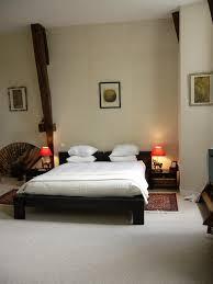 lit de chambre photo lit chambre asiatique chateau hotel de ceros