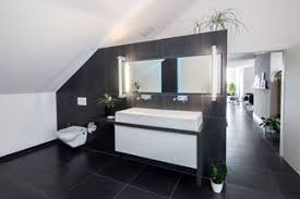 75 moderne badezimmer mit schwarzen fliesen ideen bilder