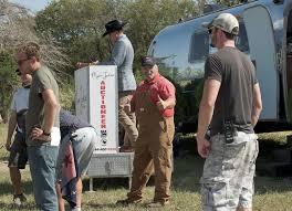 Donna Decorates Dallas Cancelled by Randy Martin House Mover Texas Flip And Move Cast Texas Flip N
