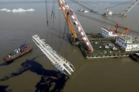 Cruise Ship Sinking 2015 by Yangtze River Ship Righted Search Now For Bodies Al Jazeera America