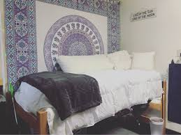 Dorm Room Bed Skirts by Dorm Room 2016 University Of Louisville Miller Hall Apartment