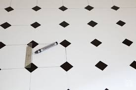 Checkered Vinyl Flooring Roll by How To Paint A Vinyl Floor Linen Closet In My Own Style