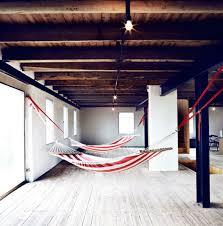 indoor hängematte befestigen urlaubsstimmung zu hause in