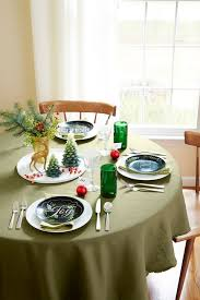 Christmas Table Decorations Jazz Up White Plates