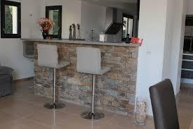 habillage cuisine agréable cuisine et bois 15 bar avec habillage en pierres