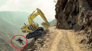 100 Truck Crashes Caught On Tape Extreme Heavy Equipment Accidents Caught On Tape Heavy Equipment