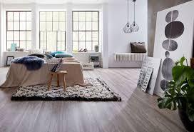 vinylboden designboden fürs schlafzimmer angenehm fußwarm