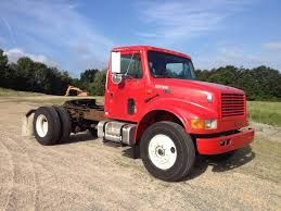 100 Single Cab Trucks 2002 International 4900 Axle Day Truck DT466E For Sale