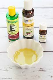 The Casual Craftlete DIY Cuticle Oil