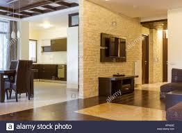 moderne wohnzimmer und moderne küche die wand mit