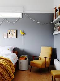 Yellow mustard how to integrate it in its decoration and with