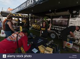 100 Geico Commercial Truck Insurance Stock Photos Stock Images Alamy