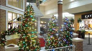 Blinking Christmas Tree Lights by Blinking Christmas Lights And Trees At The Rivergate Mall In