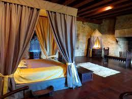 chambre dans un chateau chambre d hôtes insolites avec piscine 1h du puy du fou et marais