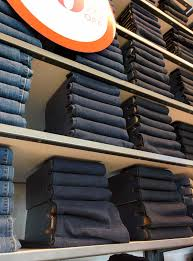 Bed Bath Beyond Roomba by The Big Stacks Of Jeans At Old Navy Are Mostly Fake Imgur