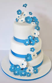 1 Beautiful White And Blue Wedding Cakes 2