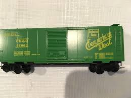 100 N Scale Trucks Micro Trains 20130 40ft Steel Boxcar And 50 Similar Items