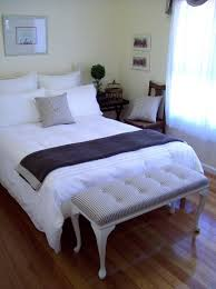 Small Guest Bedroom Decorating Ideas Breathtaking 45 Room Decor Essentials 6