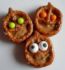 Utz Halloween Pretzels by Best 25 Utz Pretzels Ideas On Pinterest Pretzel Rolo Pecan