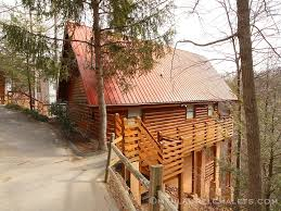 5 Bedroom Cabins In Gatlinburg by Above Laurelwood A 2 Bedroom Cabin In Gatlinburg Tennessee