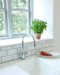 Drilling Through Ceramic Tile by 5 Best Tools For Cutting Ceramic Tile